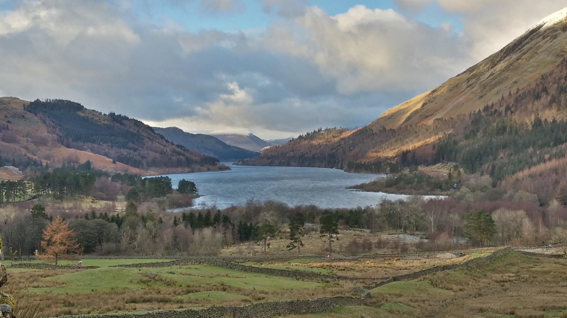 Walking along Thirlmere, with great views of Raven Crag