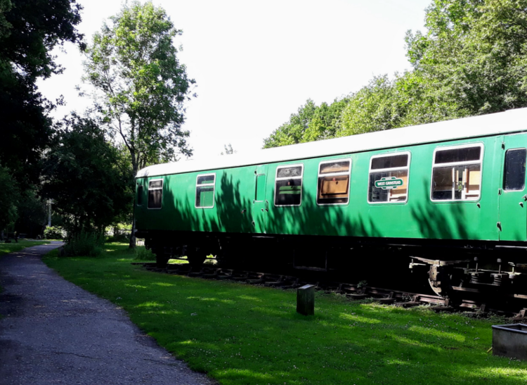 An old train carriage on the Downs Link