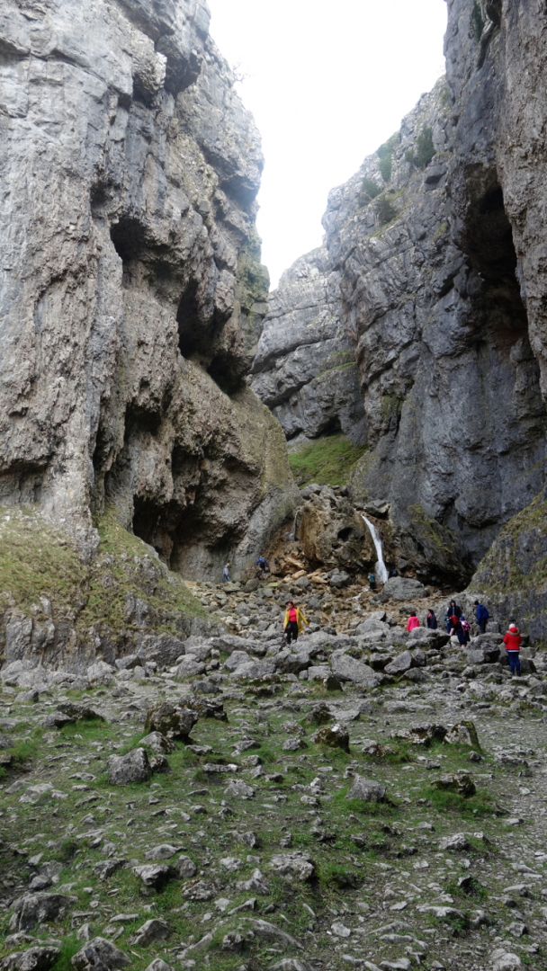 Three Dales Way: Gordale Scar